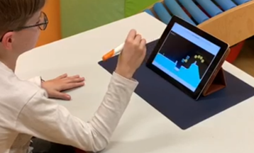 Performing graphomotor movements using the STABILO ErgoPen to navigate the PENguin application
